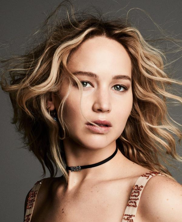 e0398795e4970 مجلة زهرة السوسن - Dior تختار Jennifer Lawrence كوجه إعلانيّ لعطر ...