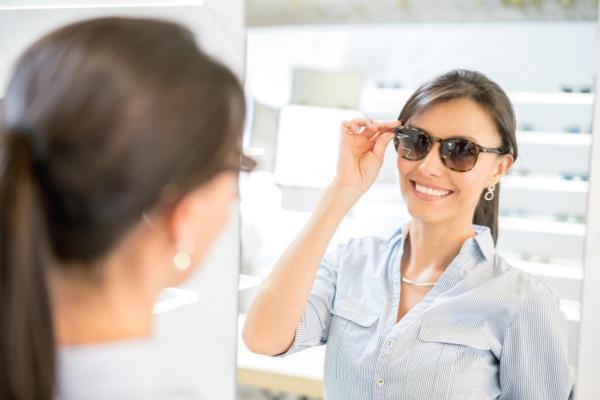 0a0eed86f 6 معايير عليكِ أخذها بعين الإعتبار لإختيار نظارات شمسية عالية الجودة
